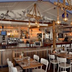 Restaurant Zeemeeuw Muiderberg voor Koffie - Lunch - Diner - Cocktails en BBQr