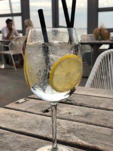Cocktails op het strand - Restaurant Muiderberg - Strandpaviljoen de Zeemeeuw