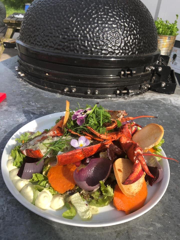 Salade met kreeft Restaurant Muiderberg - Strandpaviljoen De Zeemeeuw